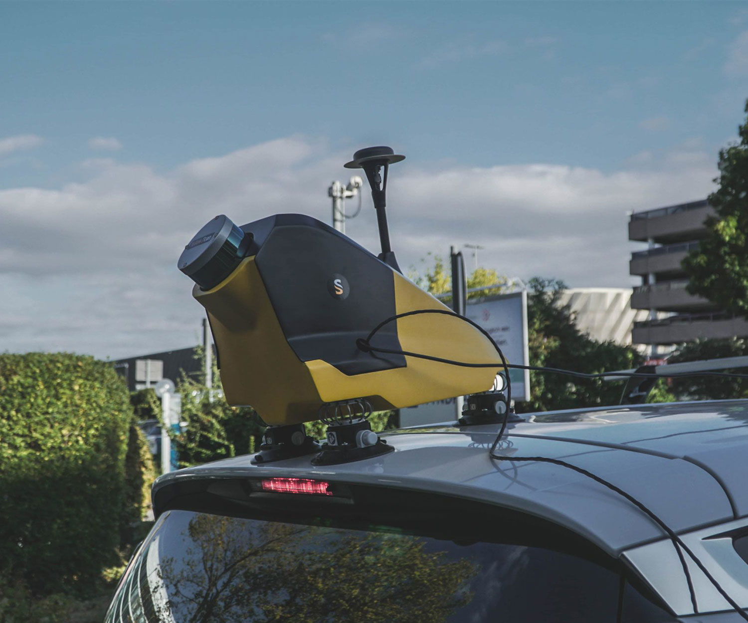 YellowScan Fly&Drive on vehicle